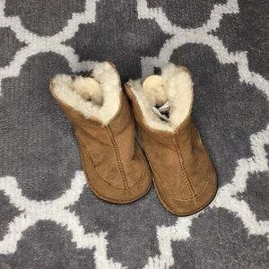 Kids size Large Uggs